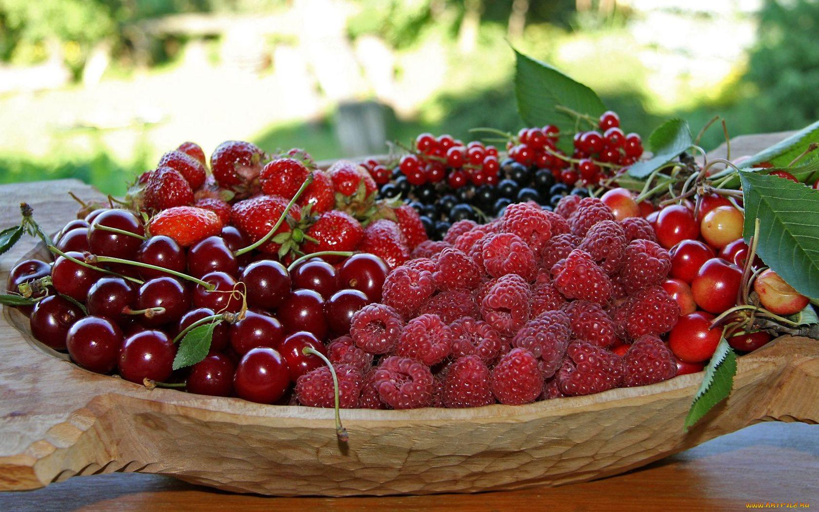 картинки июньские ягоды можно комфортом наблюдать